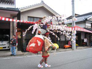 我が常会が大切に保管する江戸時代の母衣です